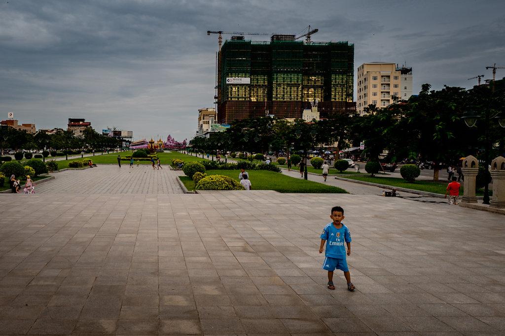 Cambodia-Phnom-Penh-Boy